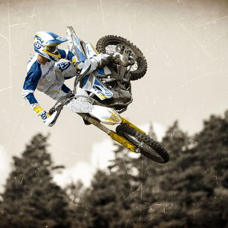 Motocicleta Husqvarna Arme de curse de inalta tehnologie