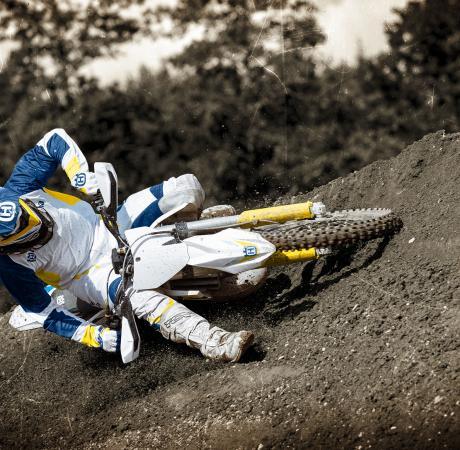 Motocicleta Husqvarna Inceput din varf
