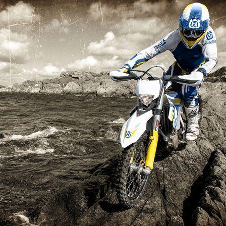 Motocicleta Husqvarna Un ritm uimitor cu jumatate de efort